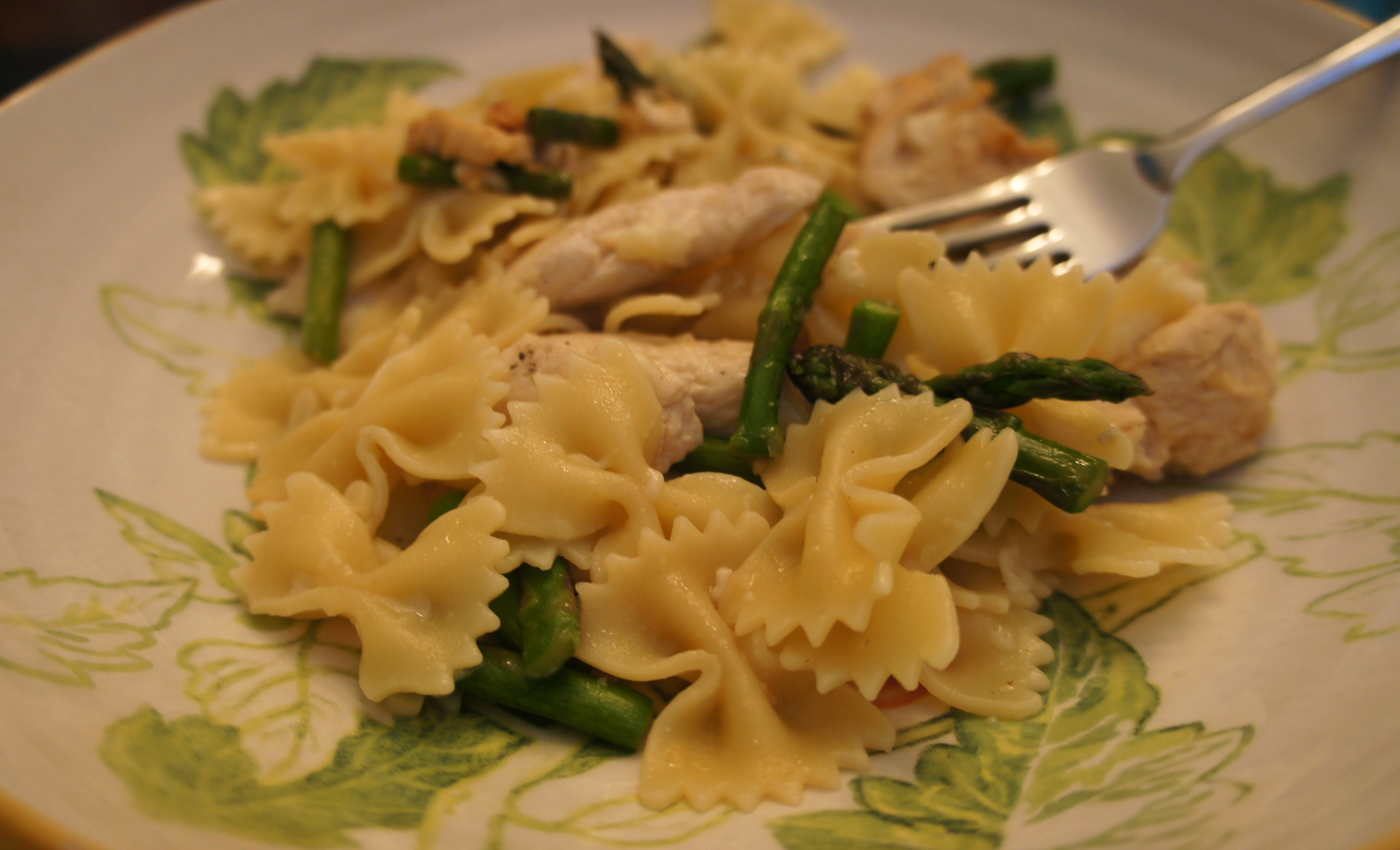 Pasta with Lemony Chicken and Asparagus | Happ B.